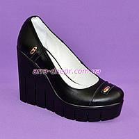 Женские кожаные туфли на устойчивой высокой платформе. 38 размер