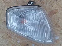 Указатель поворота(поворот) правый Mazda 323 BJ 1997-2000г.в.