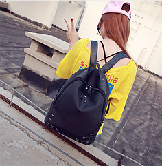 Рюкзак женский чёрный с фурнитурой Весна 2021