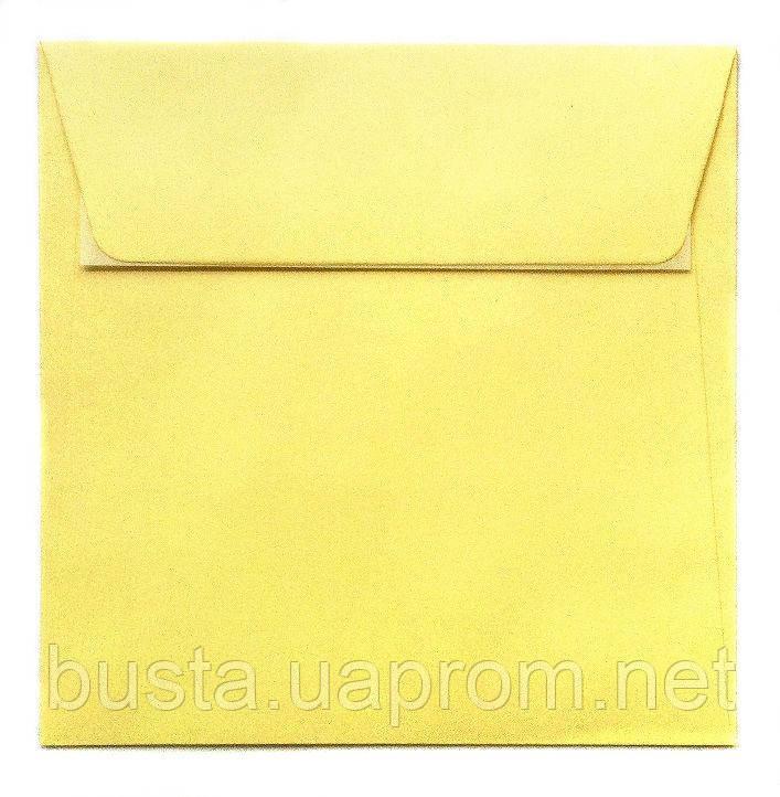 Конверт К8 бледно-желтый с клейкой лентой