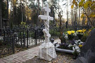Мраморный крест  с виноградом №2