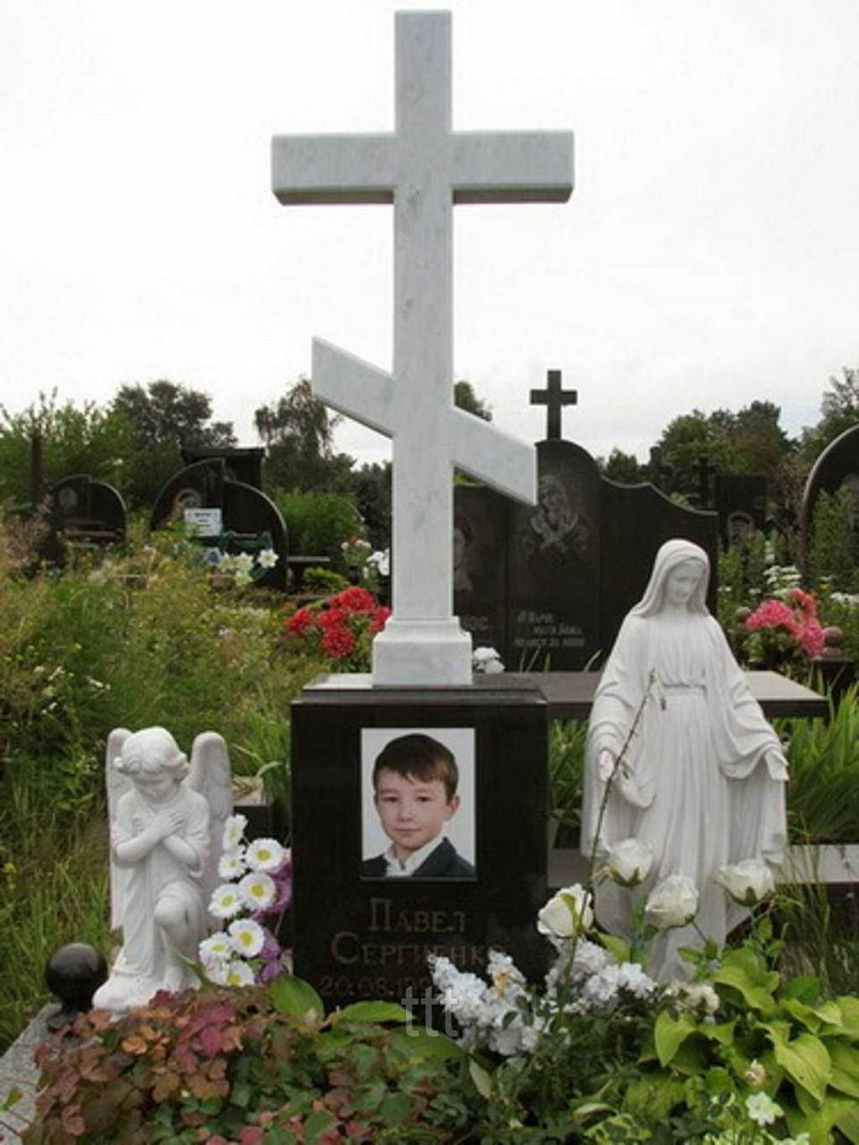 Православный крест из мрамора на могилу №5