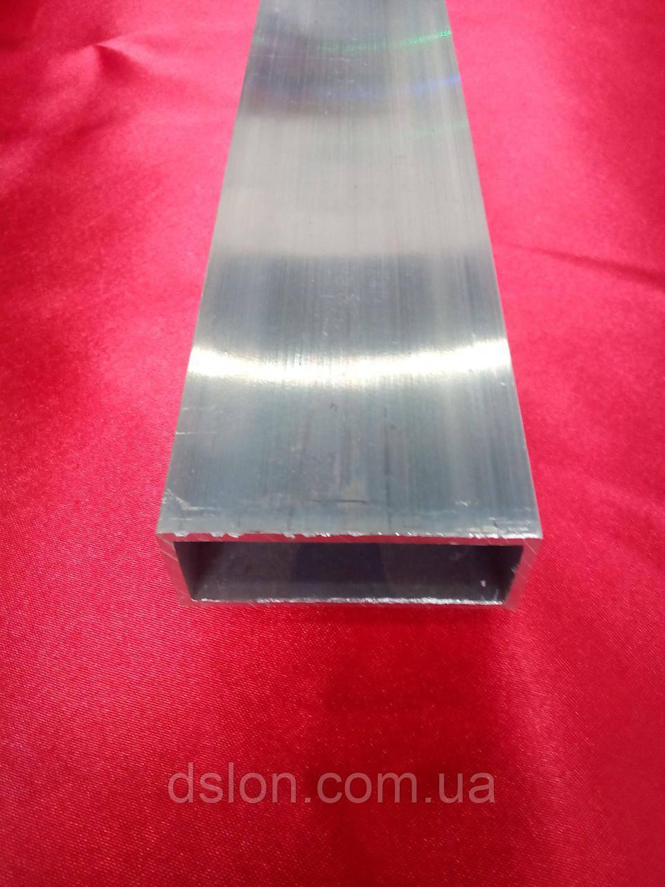 Труба прямоугольная 50*30*2 мм.