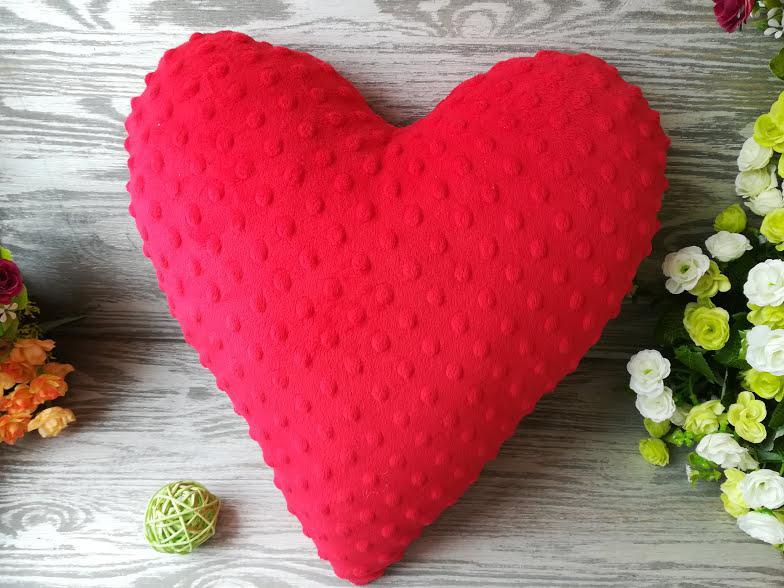 Подушка плюшевое сердце ,  39 см * 39 см