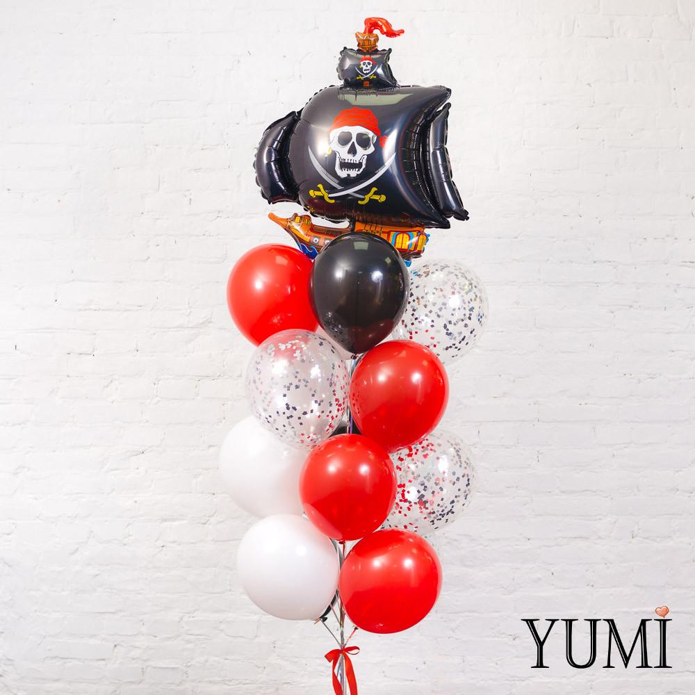 Композиция из шаров с гелием в пиратском стиле