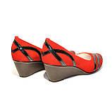 """Женские замшевые красные туфли на танкетке с плетением из лаковой кожи. ТМ """"Maestro"""", фото 3"""