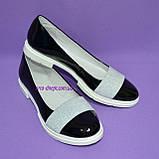 Женские лаковые черные туфли на утолщенной белой подошве, фото 3