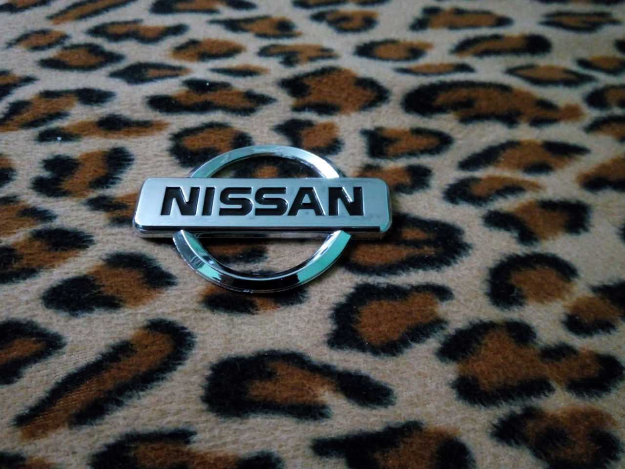 Эмблема NISSAN  80х57 мм
