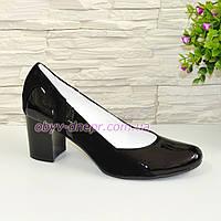 Женские классические туфли на каблуке из натуральной лаковой кожи и замши, фото 1
