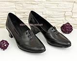 Женские кожаные туфли на невысоком каблуке, декорированы шнуровкой., фото 2