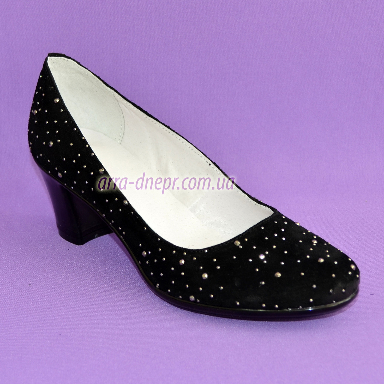 """Туфли женские замшевые на каблуке, декорированные серебристыми камнями. ТМ """"Maestro"""""""