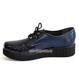 Женские туфли на утолщенной подошве, на шнуровке, натуральная синяя кожа и лак питон., фото 3