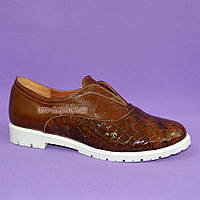 """Женские туфли на утолщенной белой подошве, из натуральной кожи и кожи """"крокодил"""""""