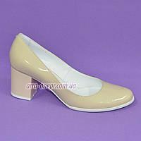Женские бежевые лаковые туфли на невысоком устойчивом каблуке, фото 1