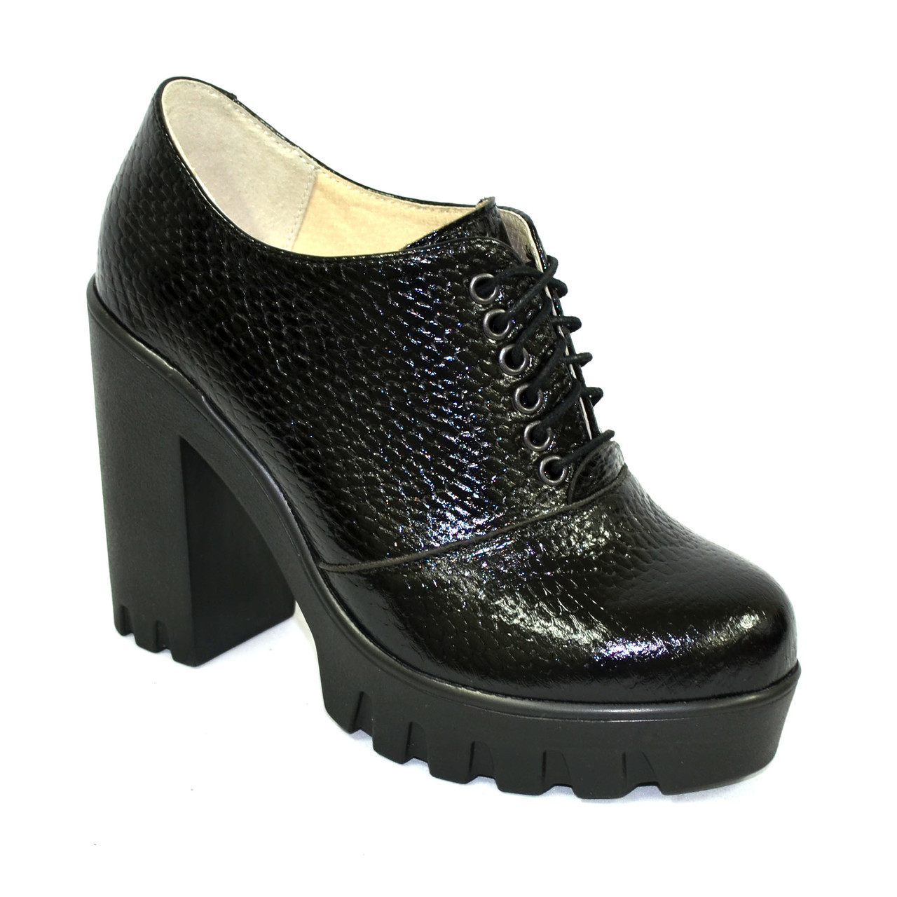 """Женски туфли на тракторной подошве, на шнуровке. Натуральная кожа """"питон"""""""