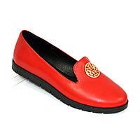 Женские кожаные туфли-мокасины на утолщенной черной подошве. Цвет красный, фото 1