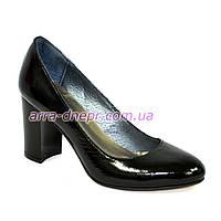 """Женские черные лаковые классические туфли на каблуке. ТМ """"Maestro"""", фото 1"""