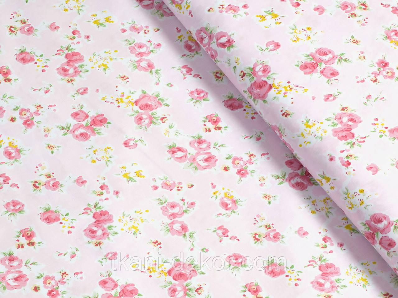 Сатин (хлопковая ткань)  на розовом розочки