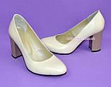 """Женские кожаные классические туфли на каблуке, бежевого цвета. ТМ """"Maestro"""", фото 8"""