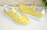 Туфли женские кожаные на утолщенной белой подошве, цвет желтый., фото 4