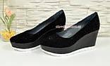"""Туфли женские черные замшевые на платформе, декорированы камнями. ТМ """"Maestro"""", фото 2"""