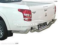 Защита заднего бампера Mitsubishi L200 2015-… изогнутый ус
