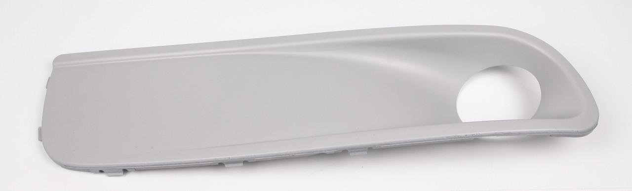 Вставка бампера передняя T5 / Фольксваген Т5 с 2003- 2006 (под противотуманку) правая Турция 7H5807490T