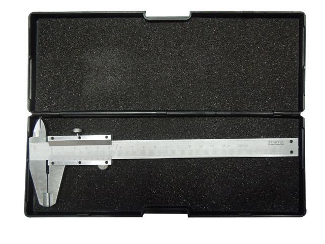Механический штангенциркуль в футляре,150мм