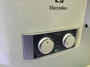 Бойлер Electrolux EWH 100 Formax, фото 2