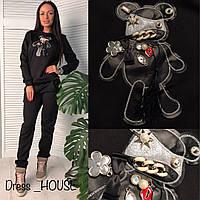 """Женский спорт костюм """"Аппликация темный мишка побрякушки""""  две расцветки OS-1802.009"""