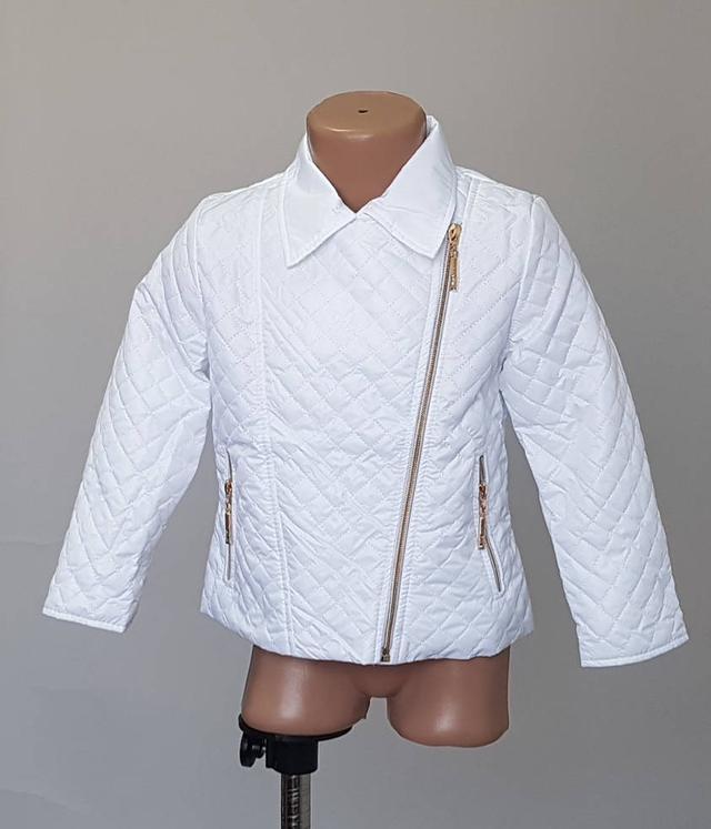 фотография детская весенняя куртка белого цвета