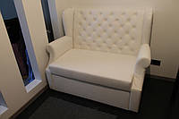 Кухонный диван небольшого размера (Белый кожзам.))
