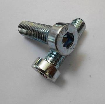 Винт М3 DIN 7984 с внутренним шестигранником и низкой цилиндрической головкой   кл. пр. 8.8, фото 2