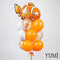 Композиция из шара Рыбка Немо, 3 белых кругов, 6 оранжевых и 3 прозрачных шаров с золотым конфетти