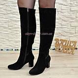 Ботфорты замшевые зимние на устойчивом каблуке, декорированы лаковой вставкой., фото 2