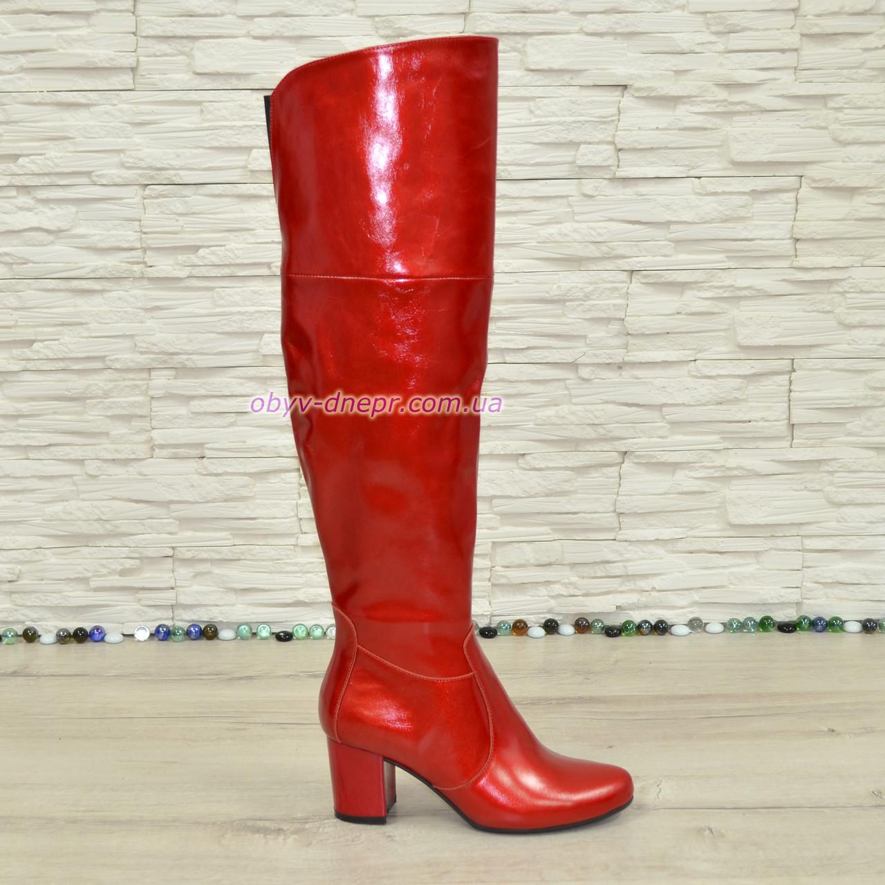 Ботфорты зимние лаковые на устойчивом каблуке, цвет красный