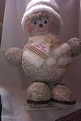 Фигурка из сена ручной работы снеговик
