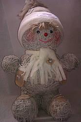 Игрушка из сена ручной работы Снеговик