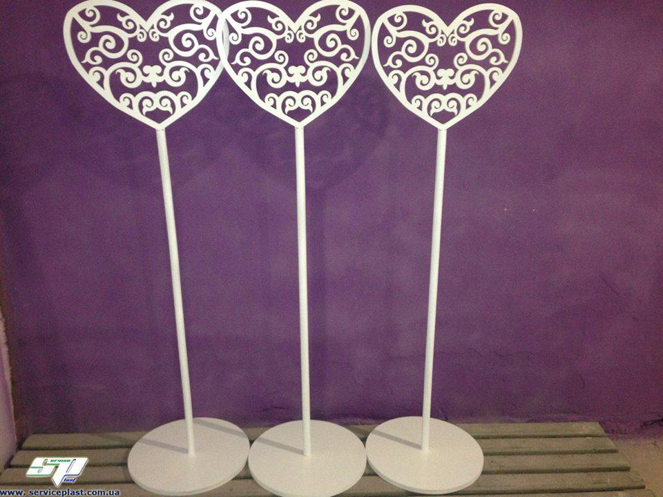 Свадебный декор: резные стойки для оформления, ажурные колоны, стойки для декора