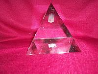 Хрустальная пирамида 5 см.