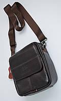 Мужская кожаная сумка через плечо среднего размера коричневая