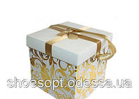 Подарочная коробка с ручкой 29,5х29,5х28 см