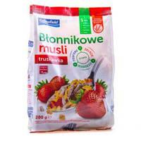 Мюсли клубничные Crownfield Blonnikowe musli 200гр. Польша