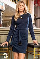 Женское платье темно-синего цвета с поясом. Модель 17342. Размеры 42-46