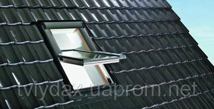 Мансардные окна ROTO c центральной осью поворота - Компанія «Твій Дах» в Львове