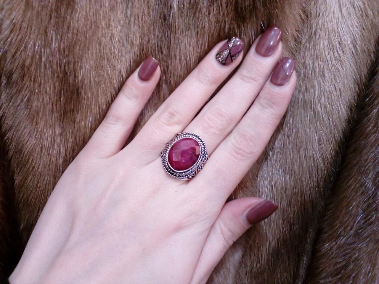 Красивое кольцо рубин. Кольцо с рубином. Размер 19. Индия!