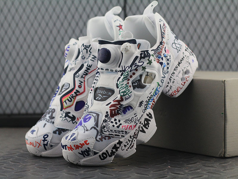 Женские кроссовки Vetements x Reebok Insta Pump Fury (Рибок Инста Памп)  белые (реплика 83b9ca56420