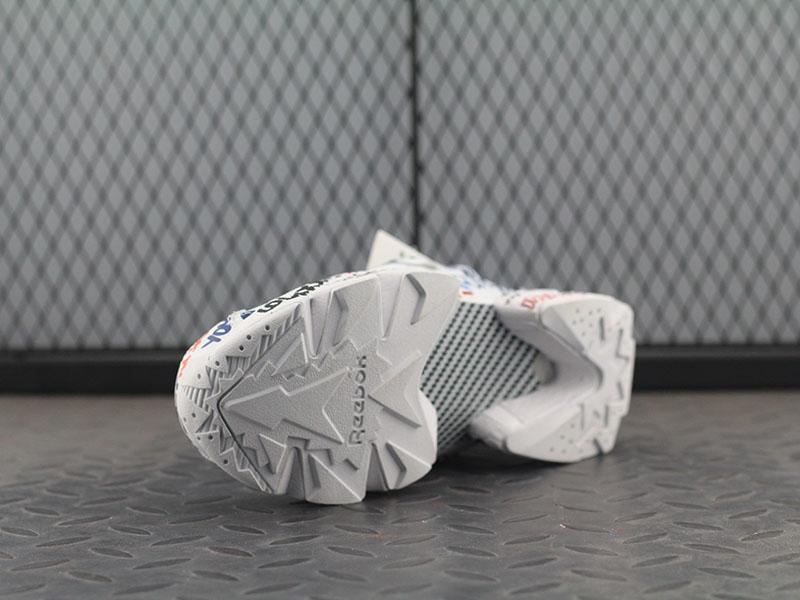 ... Женские кроссовки Vetements x Reebok Insta Pump Fury (Рибок Инста Памп)  белые (реплика ... 6a01ba7ca01