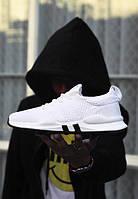 Белые стильные кроссовки для мужчин