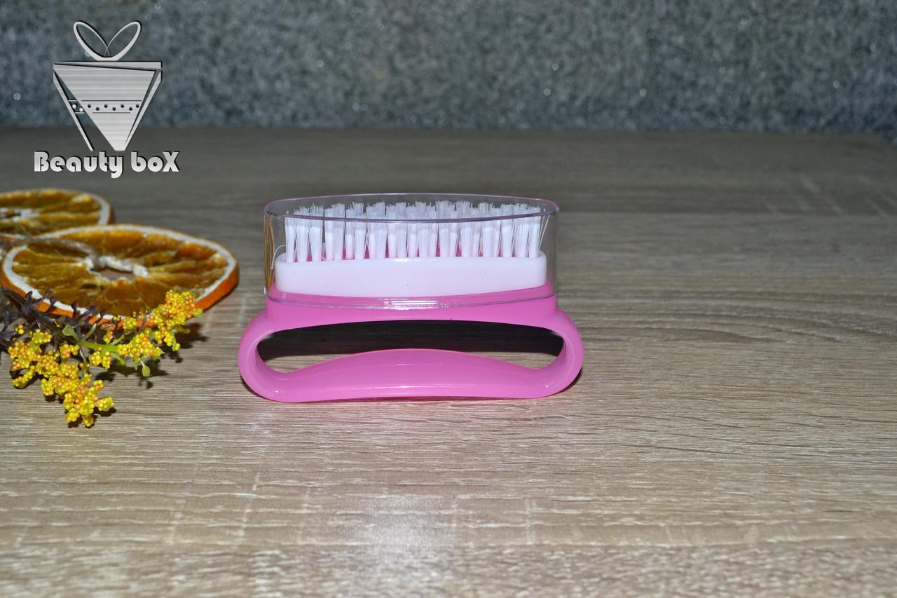 Щетка для ногтей овальная (с колпачком)